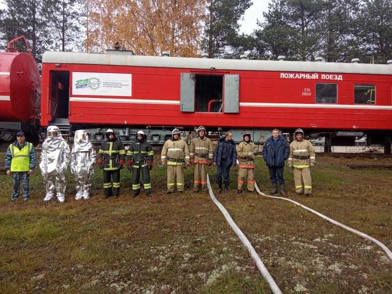 Хвойнинские пожарные ликвидировали условный пожар на топливной базе